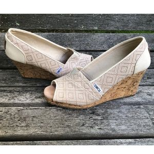 Toms ivory canvas wedges